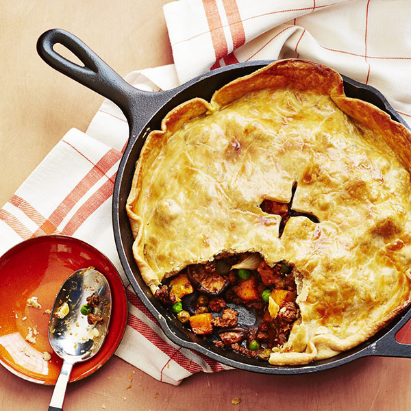 54ef9790494a3_-_beef-and-stout-skillet-pie-recipe-wdy0914-s2